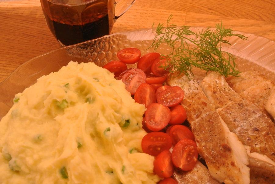 Stekt sei med potetmos og krydret soyasaus