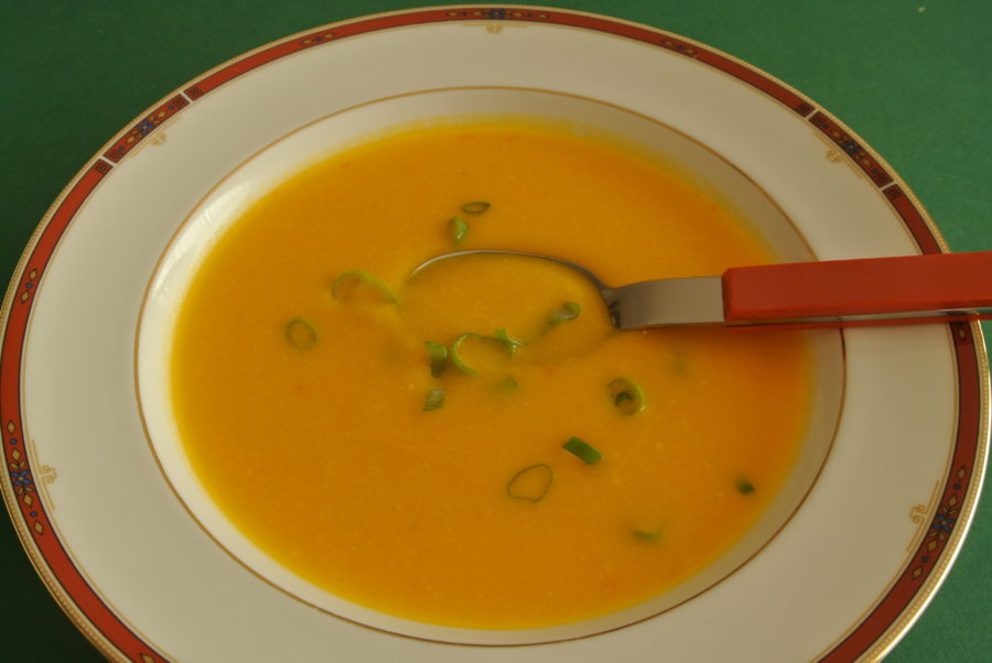 Solgul suppe
