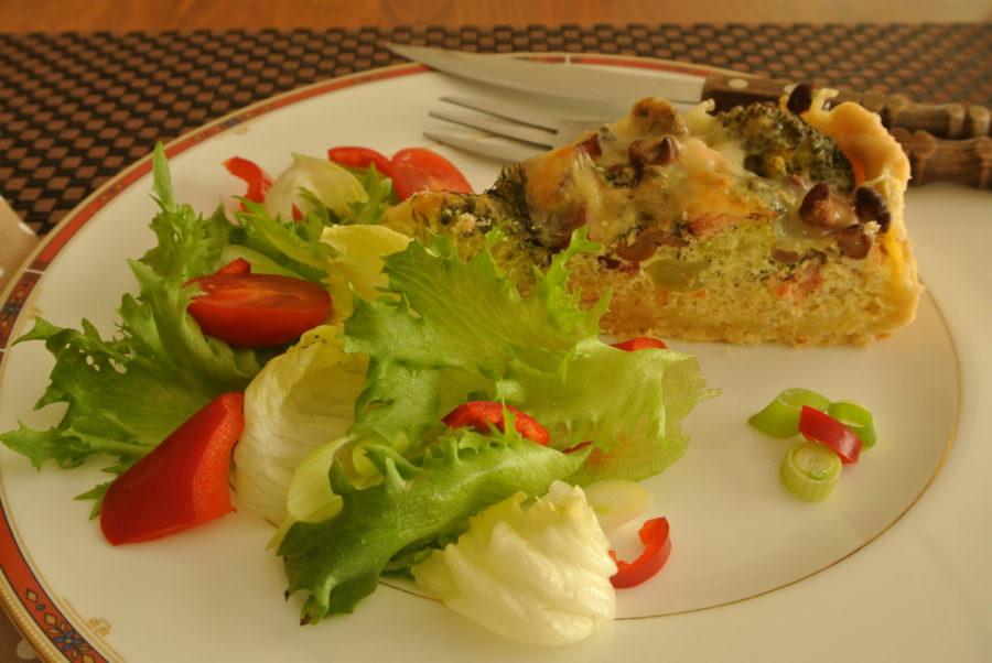 Røkelakspai med quinoa og kantareller