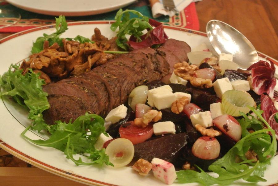 Elgfilet med rødbete- og fetasalat