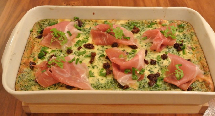 Ovnspannekake med spinat, ost og skinke