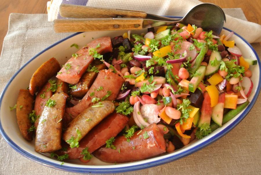 Stekte pølser og bønnesalat med sennepsvinaigrette