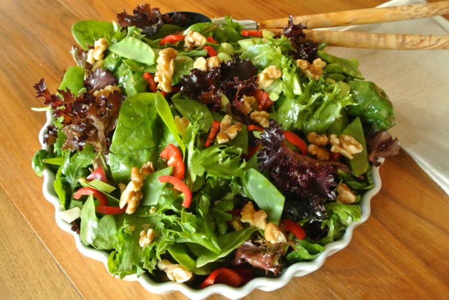 Grønn salat med rabarbra