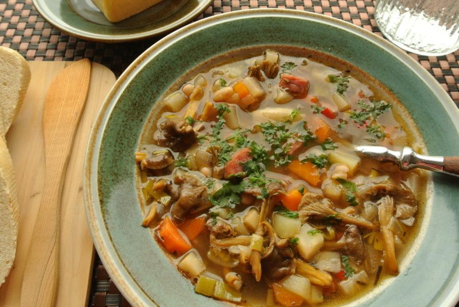 Suppe med hvite bønner og Vossakorv