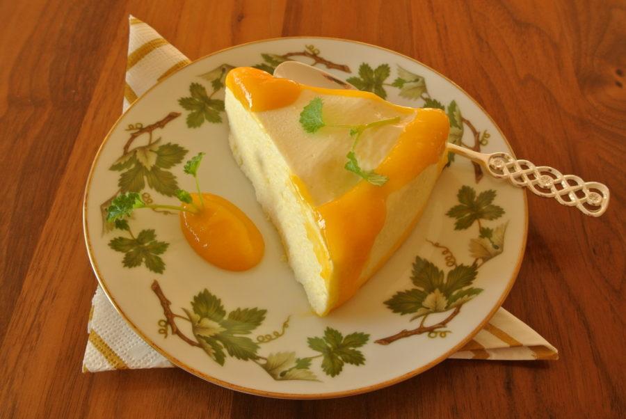 Mango-ostekrem med mangosaus