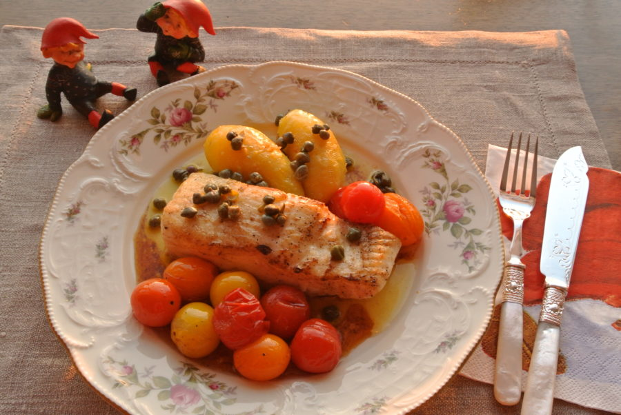 Kveite med bakte tomater og kaperssmør
