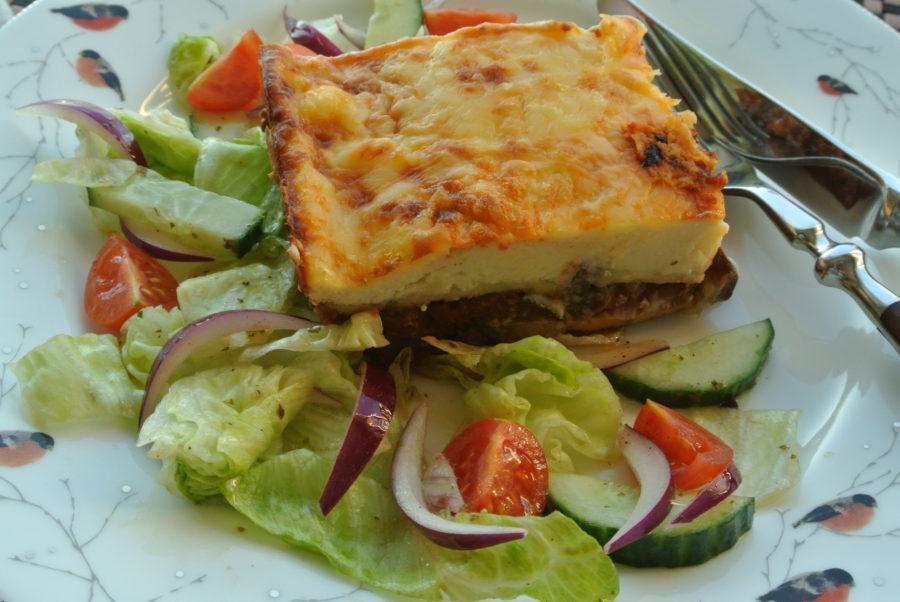 Moussaka med enkel salat