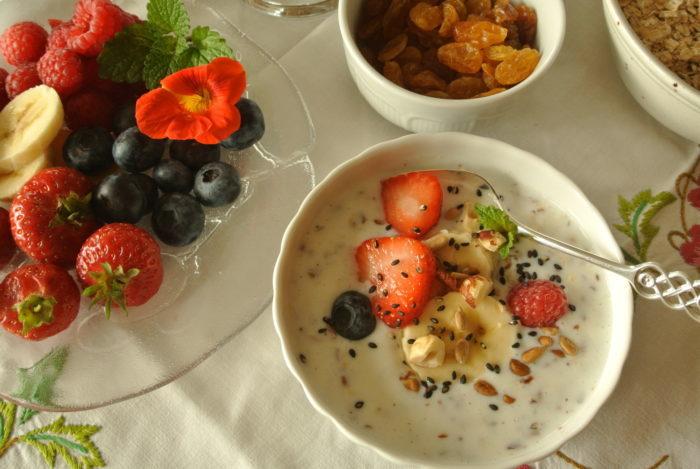 Frokost med ristede frø og nøtter