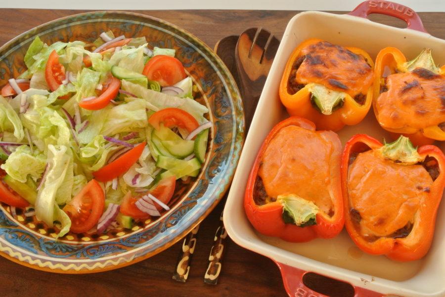 Ovnsbakt paprika med karbonadefyll og ostesaus
